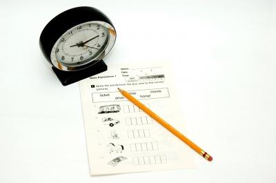 「中一入學前香港學科測驗」和「呈分試」怎影響你孩子的「中學Banding」?